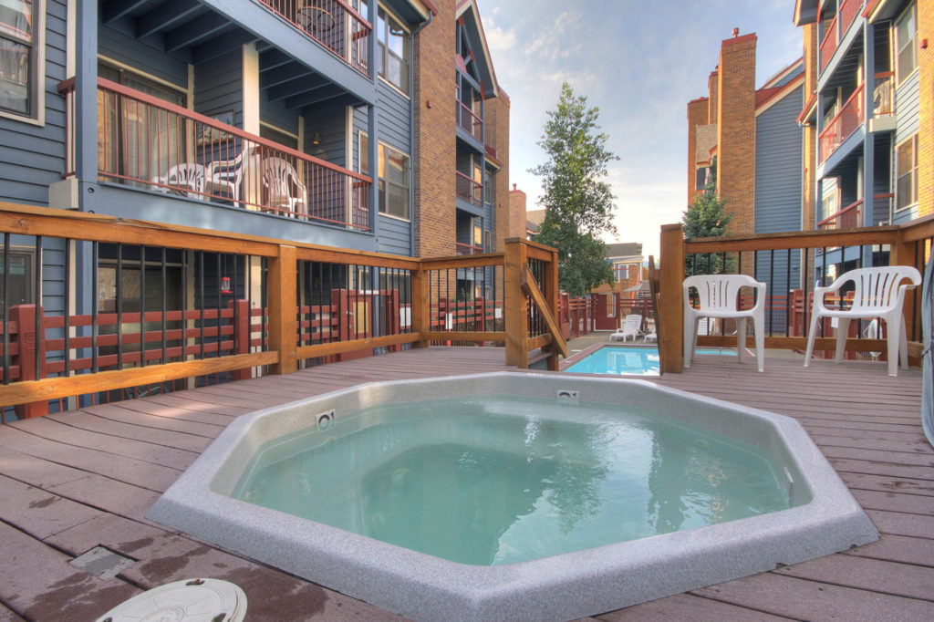 Hot Tubs at River Mountain Lodge